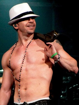Donnie_Wahlberg_263w_350h